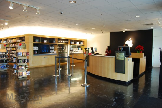 apple_companystore1-550x368.jpg